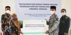 MDTA Direnovasi Dompet Dhuafa, Murid dan Kepala Yayasan Menangis Haru