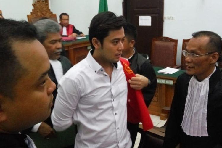 Kriss Hatta jalani sidang perdana di pengadilan negeri Jakarta Selatan, Rabu (9/10/2019)