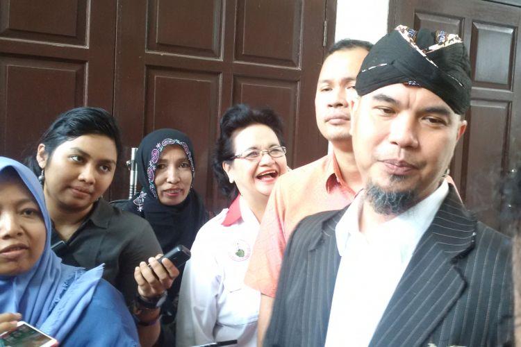 Ahmad Dhani menjalani sidang kasus ujaran kebencian yang menjeratnya di Pengadilan Negeri Jakarta Selatan, Senin (24/9/2018).