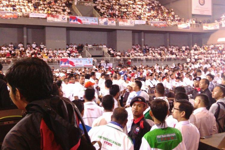 Para simpatisan Partai Perindo sudah mulai berdatangan di Sport Mall Kelapa Gading, di Jalan Kelapa Nias, Kelapa Gading, Jakarta Utara, Selasa (14/3/2017), untuk mengikuti deklarasi dukungan Partai Perindo untuk pasangan cagub-cawagub DKI Anies Baswedan-Sandiaga Uno.