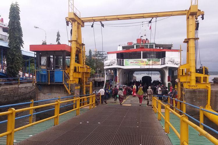 Dermaga Ujung di Pelabuhan Tanjung Perak Surabaya