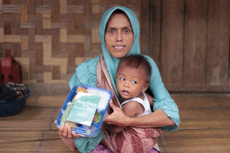 Dompet Dhuafa gulirkan paket kebaikan zakat fitrah ke kampung Suku Baduy di Banten.