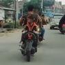Video Viral Bonceng Anak Hadap Belakang, Pahami Risikonya