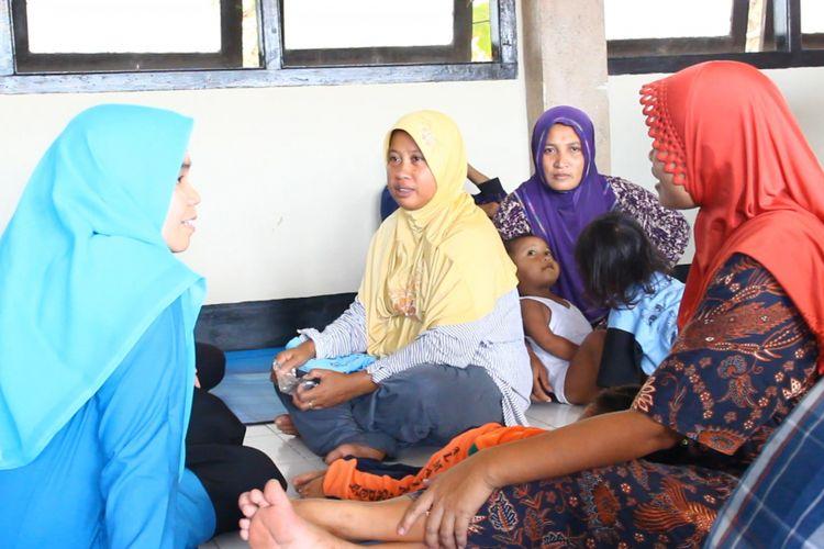Pengungsi Ahmadiyah yang kehilangan rumah karena diamuk massa.