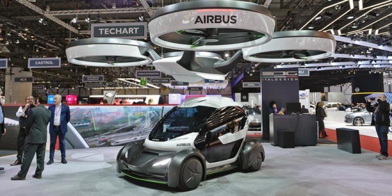 Konsep Pop.Up, mobil kompak yang bisa terkoneksi dengan delapan baling-baling dan membuatnya melayang ke angkasa, diperkenalkan di Geneva Motor Show 2017.