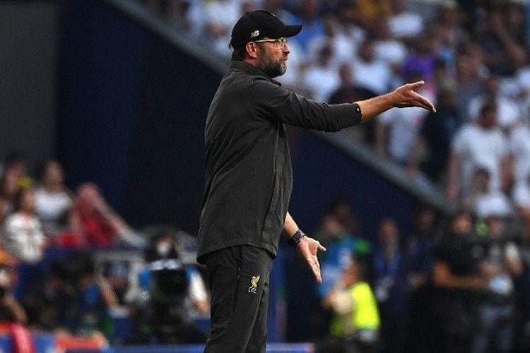 Pelatih Liverpool, Juergen Klopp, memberi arahan saat pertandingan final Liga Champions antara Liverpool vs Tottenham Hotspur di Stadion Wanda Metropolitano di Madrid pada 1 Juni 2019.