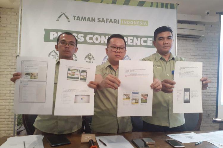 Pihak Taman Safari Indonesia menunjukkan website palsu yang melalukan penipuan online atas nama TSI, saat konferensi pers di Jakarta, Selasa (5/11/2019)
