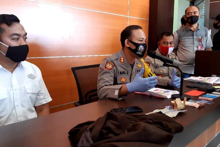 Kapolres Buleleng AKBP I Made Sinar Subawa memberikan keterangan pers di Mapolres Buleleng, Sabtu (18/7/2020).