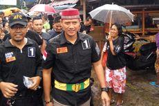 Agus Hujan-hujanan Saat Kampanye di Menteng Atas