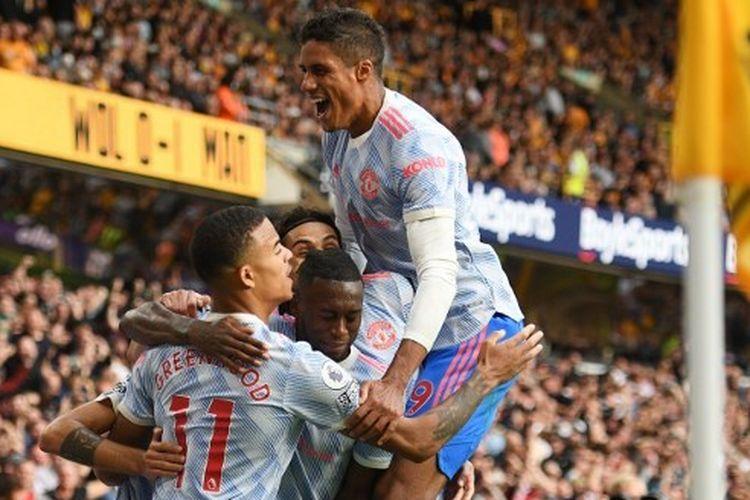 Raphael Varane mencatatkan debut manis sebagai pemain Man United pada laga Liga Inggris kontra Wolves, Minggu (29/8/2021).