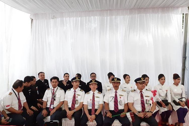 18 kru pesawat Airbus 330-300 Batik Air yang menjalani misi kemanusiaan mengevakuasi WNI dari wuhan akibat virus corona tiba di Jakarta setelah masa observasi 14 hari di Natuna, Sabtu (15/2/2020).