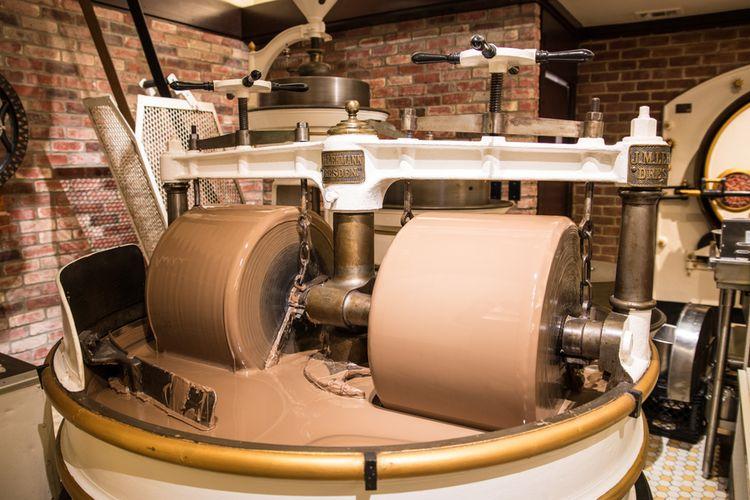 Mesin grinding atau penggilingan cokelat