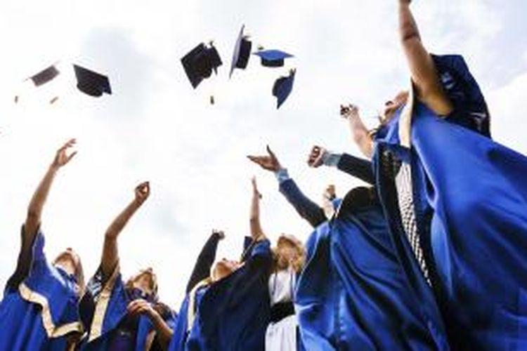 Data Badan Pusat Statistik (BPS) menunjukkan Tingkat Pendidikan Terbuka (TPT) lulusan universitas naik dari angka 5,65 persen pada Agustus 2014 menjadi 6,40 persen di Agustus 2015.