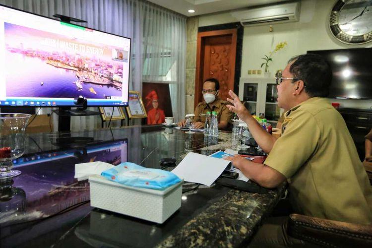 Wali Kota Makassar, Mohammad Ramdhan 'Danny' Pomanto melakukan diskusi virtual dengan Kemenko Maritim dan investasi, Selasa (15/6/2021).