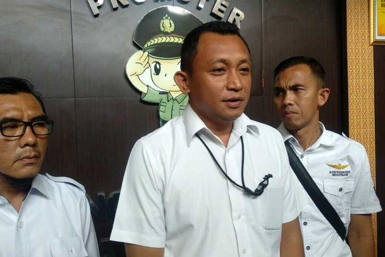 Kasatreskrim Polrestabes Palembang Kompo Yon Edi Winara saat memberikan keterangan pers terkait, aksi teror yang dilakukan seorang pelajar SMA berinisial B (16), Rabu (11/12/2019).
