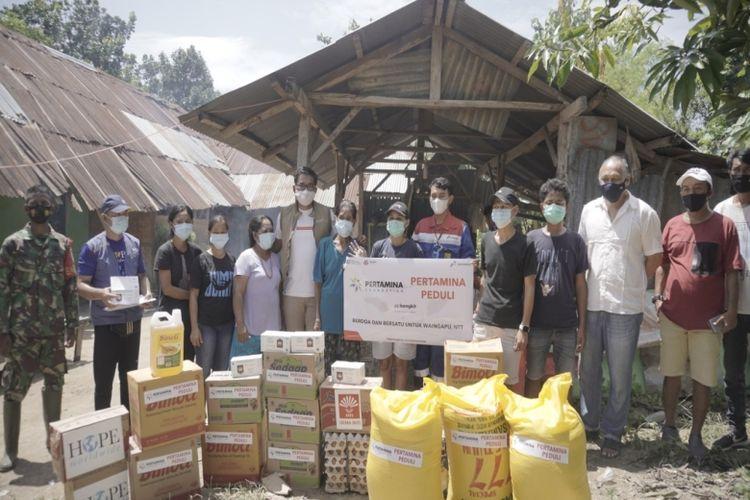 Pertamina Foundation saat menyalurkan Pertamina Peduli di wilayah NTT.