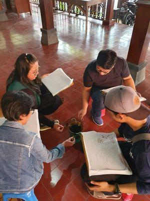 Pelatihan membatik yang diadakag Forum Pengembangan Kampung Batik Laweyan