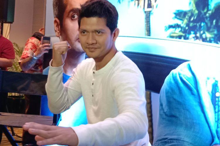 Iko Uwais berpose dalam jumpa pers pemutaran film Stuber di XXI Epicentrum, Kuningan, Jakarta Selatan, Senin (24/6/2019).
