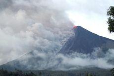 Gunung Api Karangetang Keluarkan Lava Pijar