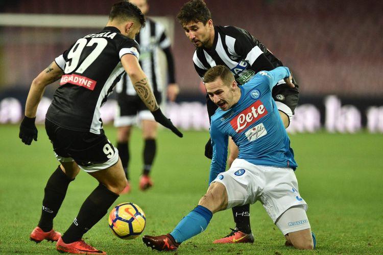 Napoli dan Udinese menjalani pertandingan babak 16 besar Coppa Italia di San Paolo, Selasa (19/12/2017).