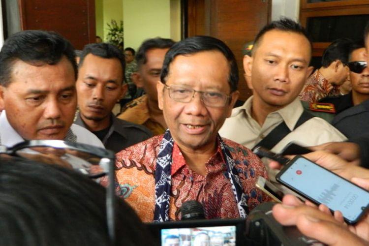 Menkopolhukam Mahfud MD saat ditemui wartawan di Graha Sanusi Harjadinata Universitas Padjadjaran, Bandung, Rabu (30/10/2019).