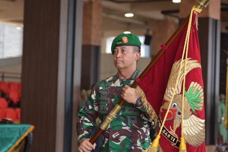 Kepala Staf Angkatan Darat (KSAD) Jenderal TNI Andika Perkasa memimpin serah terima jabatan (sertijab) tiga jabatan dan menyerahkan dua jabatan penting lainnya di jajaran TNI AD.