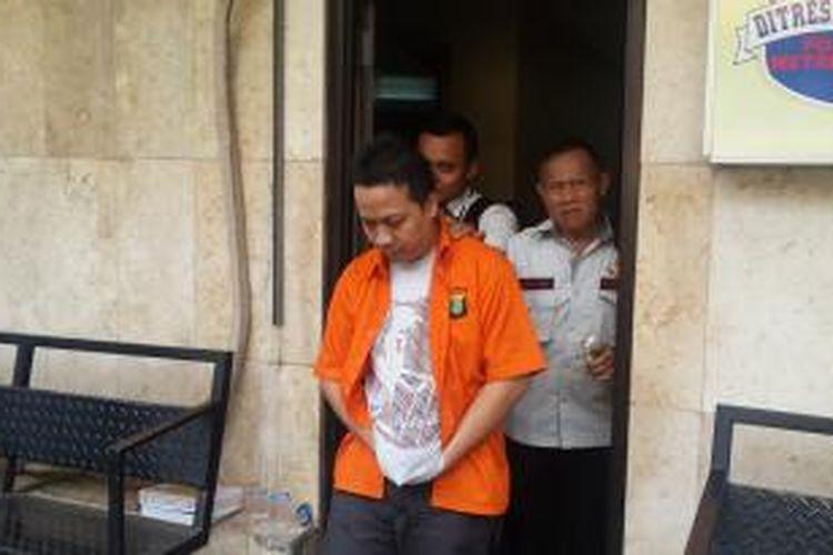 AK alias AW (38), tersangka pembunuh Hayriantira, mantan pegawa perusahaan telekomunikasi.