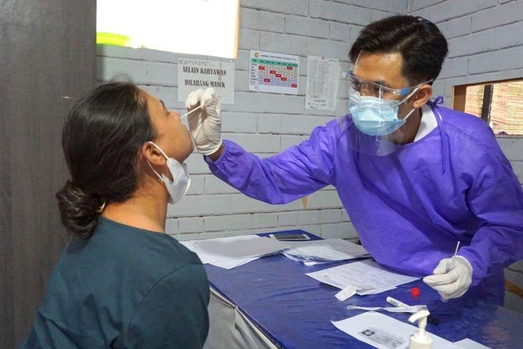 Biaya Tes PCR di Bandara Lombok Turun Jadi Rp525.000