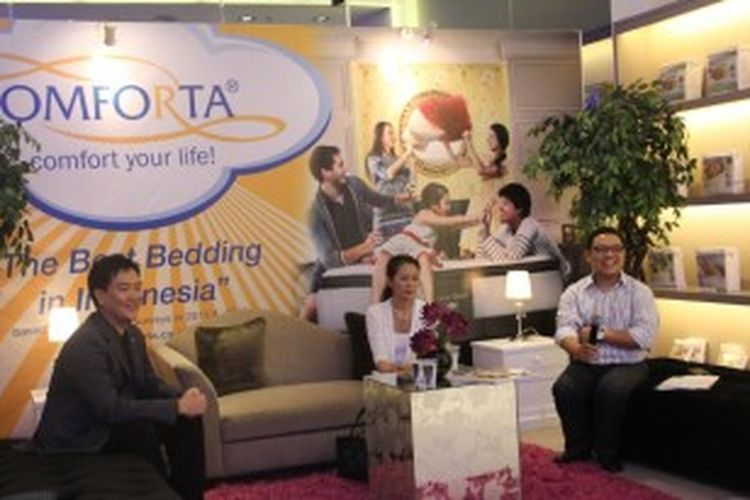 Dalam acara yang diadakan Massindo Group, produsen Kasur Comforta di Jakarta, Selasa (25/6/2013), hadir Witarsa Sugeng (Director of Massindo Group), Dewi