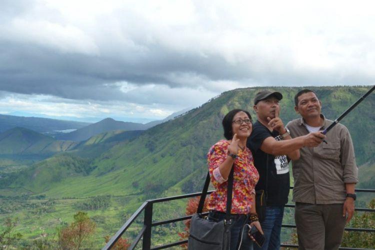 Kawasan Wisata Tele Geopark Danau Toba di Kabupaten Samosir .