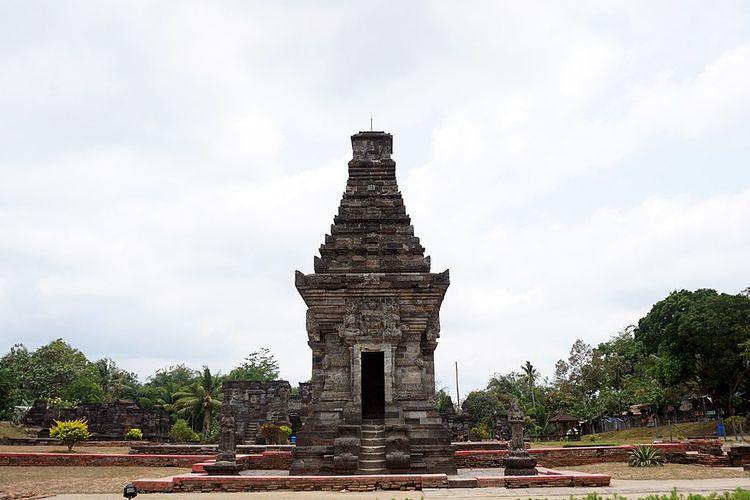 Candi Penataran di Blitar, salah satu peninggalan Kerajaan Kediri.