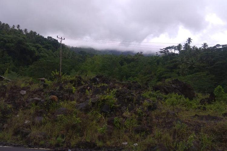 Kondisi kawah Gunung Karangetang tertutup asap tebal dari Kecamatan Siau Timur, Kelurahan Bebali, Kabupaten Kepulauan Sitaro, Sulawesi Utara pada Jumat (21/12/2018) sekitar pukul 14.07 Wita.