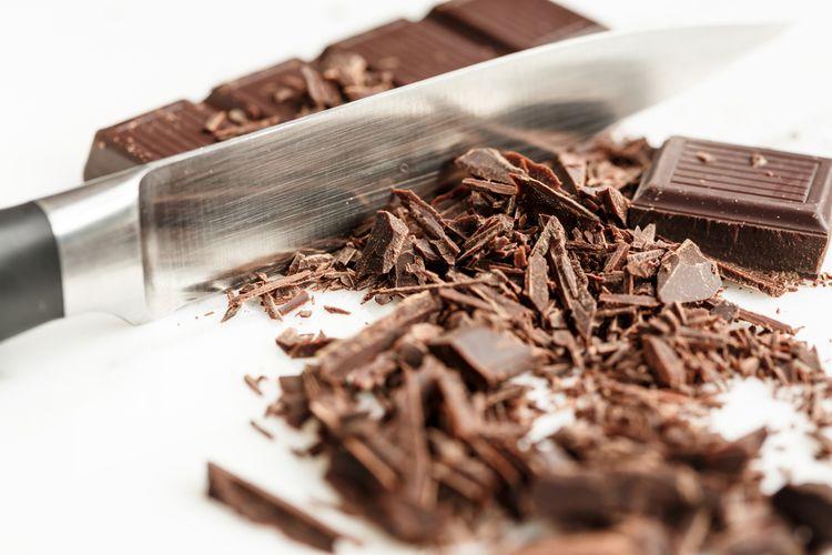 Ilustrasi cokelat dipotong.