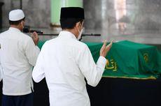 Melayat Artidjo Alkostar, Jokowi: Kita Kehilangan Putra Terbaik Bangsa