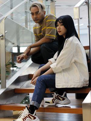 Penyanyi Gamaliel Tapiheru dan Isyana Sarasvati berkunjung ke Redaksi Kompas.com, di Menara Kompas, Palmerah Selatan, Jakarta Pusat, Jumat (24/5/2019). Mereka berkerja sama dengan Disney Indonesia sebagai pengisi soundtrack film Alladin berjudul A Whole New World.
