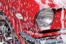 Haruskah Mobil Selalu Dicuci Sehabis Kena Hujan?