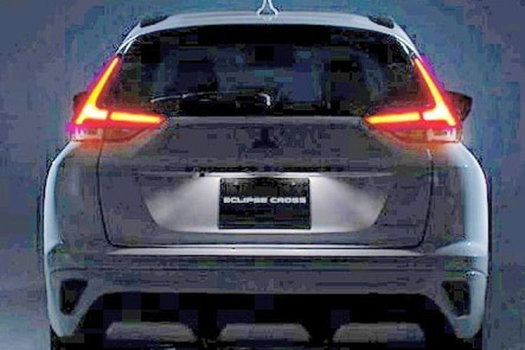 Tampilang belakang Mitsubishi Eclipse Cross