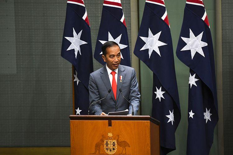 Presiden Joko Widodo memberikan pidato di hadapan Parlemen Australia di Dewan Perwakilan Rakyat di Canberra, Australia, Senin (10/2/2020). Dalam lawatan ke Australia pada 8-10 Februari, Jokowi melakukan serangkaian agenda, antara lain menghadiri pertemuan bilateral dan menyaksikan penandatanganan sejumlah nota kesepahaman.