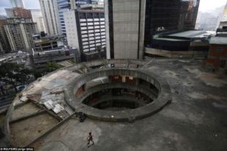 Tidak semua penduduk Caracas menganggap gedung ini sebagai