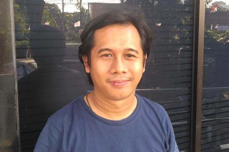 Koordinator Nasional Jaringan Advokasi Tambang (Jatam) Merah Johansyah di Lembaga Bantuan Hukum (LBH) Jakarta, Sabtu (29/4/2017).