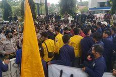 Kedatangan Jokowi ke Kalsel Disambut Unjuk Rasa Ratusan Mahasiswa