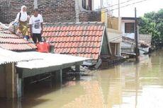 Banjir Lumpuhkan Arus Lalu Lintas di Tangerang