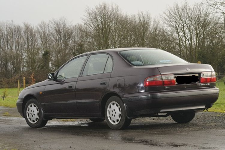 Toyota Corona rata-rata dibanderol di kisaran Rp 30 jutaan.