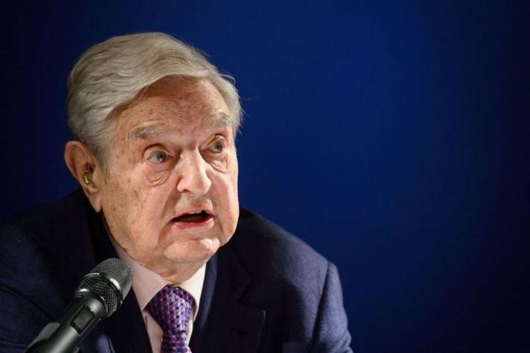 Miliarder asal Amerika Serikat George Soros menyampaikan pernyataan di Forum Ekonomi Dunia, di Davos, Swiss, Kamis (24/1/2019). (AFP/FABRICE COFFRINI)