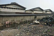 Saluran Air Buntu dan Sampah Berserakan di Lokasi Bekas Gusuran di Sunter Agung