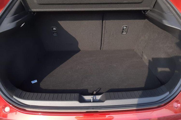 Ruang bagasi Mazda CX-30