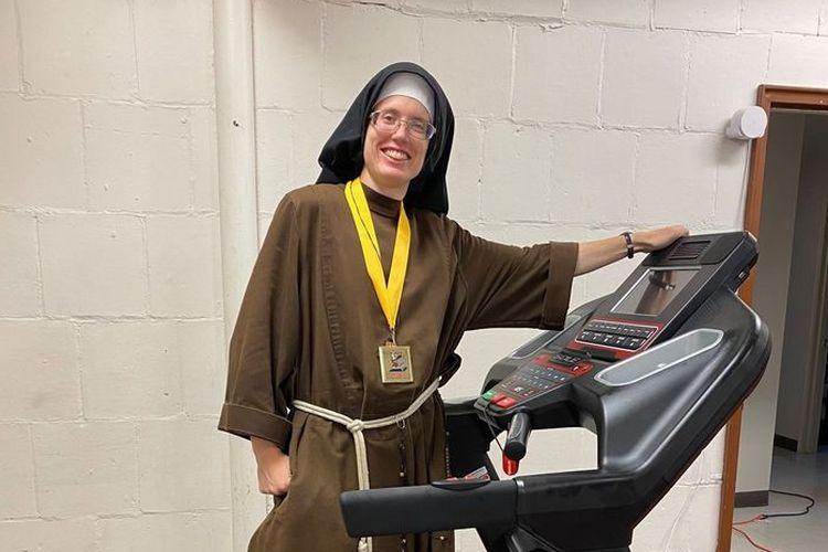 Aksi biarawati bernama Stephanie Baliga itu, dilakukan pada hari Minggu (23/8/2020) kemarin.