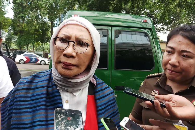 Ratna Sarumpaet Memberi keterangan ke Media sebelum kembali ditahan di Rutan Polda Metro Jaya pada Selasa (26/3/2019)