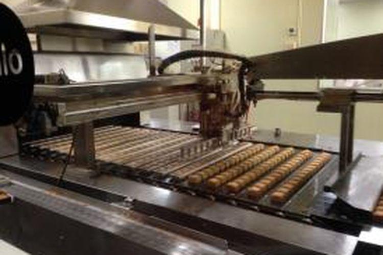 Mesin kue nanas Vigor Kobo menghasilkan 100.000 kue dalam sehari.