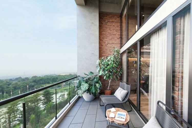Pemandangan balcony Soho New York Meikarta